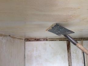 plafond colle polystyrène 2