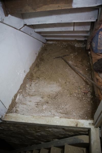 sous l'escalier-1