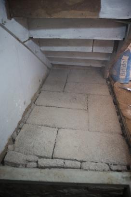 sous l'escalier-5
