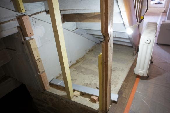 sous l'escalier-9