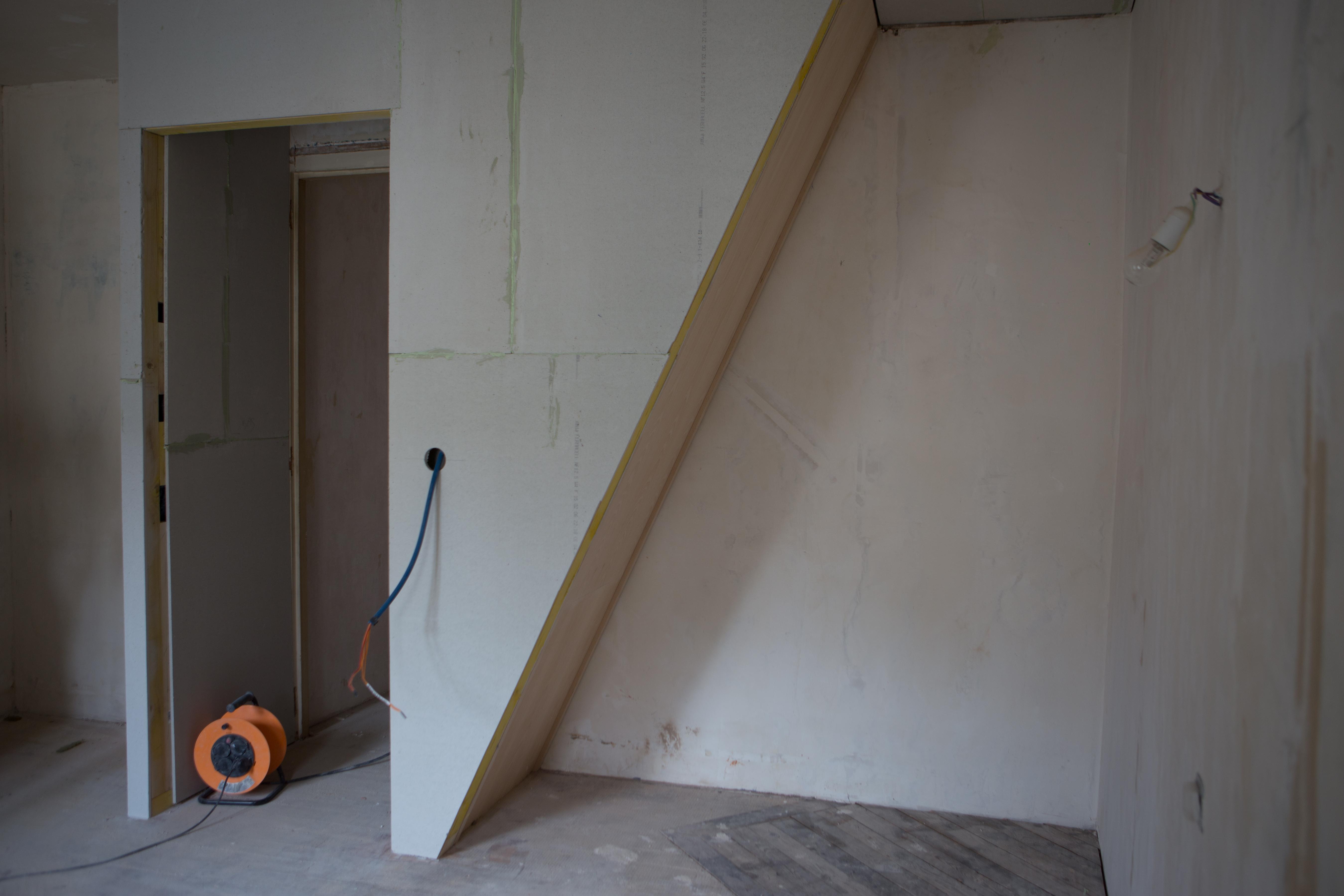 nouvelle cage d escalier au 33 de la rue. Black Bedroom Furniture Sets. Home Design Ideas