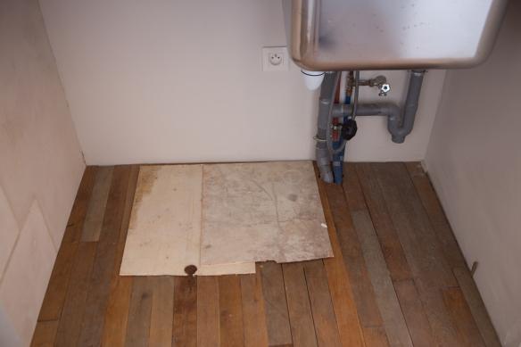 parquet dans l arri re cuisine au 33 de la rue. Black Bedroom Furniture Sets. Home Design Ideas