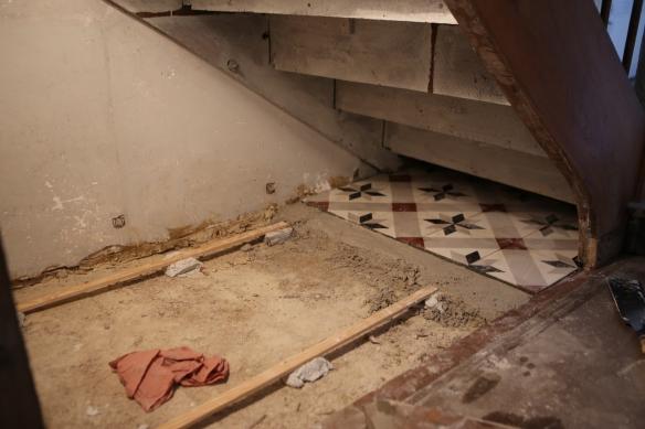 carrelage-sous-lescalier-3